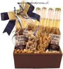 Imagen relacionada Hampers For Him, Gift Hampers, Gift Baskets, Candy Bouquet, Jar Gifts, Gift Store, Love Gifts, Cupcake Frosting, Fundraising
