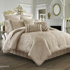 J Queen New York Renaissance Comforter Sets - Bedding Collections - Bed & Bath - Macy's Luxury Comforter Sets Queen, King Size Comforter Sets, King Size Comforters, Best Bedding Sets, Damask Bedding, Bedding Shop, Custom Bedding, Renaissance, Luxury Bedding Collections