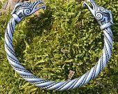 DRAIG CELTIC Twisted BRACELET avec une Dragon argenté plaqué Celtes Pagan Jewelry Bijoux Bracelet poignet Dragons étain Bijoux fantaisie Larp Sca