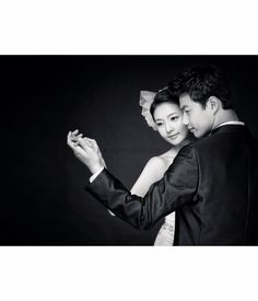Korea Pre-Wedding Photoshoot - WeddingRitz.com » Close to nature without artificially not directing it where possible 'Spazio stuido'