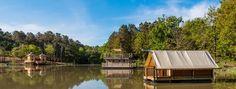 Op zoek naar een mooie camping in Frankrijk? Hier vind je de mooiste campings op de puurste Franse plekjes. Aan zee, in de bergen, aan een meertje of riviertje, met uitzicht.. voor elk wat wils!