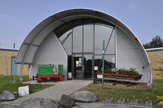 Arch House, Dome House, Building Green Homes, Auditorium Design, Quonset Hut Homes, Metal Building Kits, Homestead House, Pool Enclosures, Casas Containers