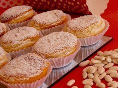 Mini Desserts, Finger Food Desserts, Small Desserts, Just Desserts, Portuguese Tarts, Portuguese Sweet Bread, Portuguese Desserts, Portuguese Recipes, Portuguese Food