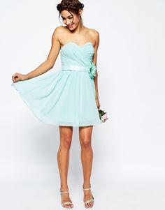 Bild 1 von ASOS WEDDING – Kurzes Bandeau-Kleid aus Chiffon mit abnehmbarem Blumengürtel