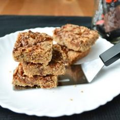 A recipe for buttery shortbread squares with the added chewiness of Skor chocolate. Puffed Wheat Squares, Chocolate Toffee Bars, Shortbread Recipes, Christmas Baking, Christmas Treats, Vegetarian Chocolate, Recipe Using, Food Inspiration