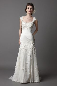 Pretty sleeveless trumpet / mermaid floor-length wedding dress