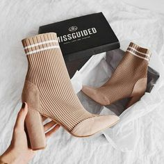 Die neuen Missguied Girls Sockenstiefel Les nouvelles bottines-chaussettes Missguied Girl'S Die neuen Missguied Girls Sockenstiefel High Heels Boots, Heeled Boots, Bootie Boots, Shoe Boots, Ankle Boots, Shoes Heels, Boot Socks, Sock Shoes, Dream Shoes