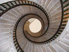 La espiral triple  3 escaleras de caracol juntas