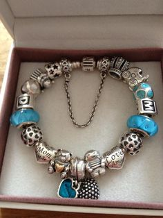 I love those turquoise color glass beads this bracelet is awesome
