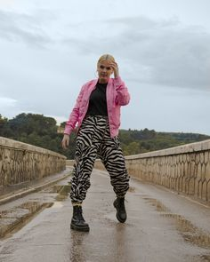 #iMikriOllandeza #MikriOllandeza #casualstyle #ootd #everydaystyle #casualfashion #everydayfashion #howto #howtostyle #zebraprint #zebrapants #drmartens #drmartensoutfit #aesthetic #2020 #egirl #altgirl #blonde #blondehair #blondegirl #pinkbomber #pinkbomberjacket #alphaindustries #alphaindustriesbomber #autumnoutfit #autumnfashion #autumnstyle #autumn2020 #springoutfit #springfashion #springstyle #spring2020 Dr Martens Outfit, Spring Fashion, Autumn Fashion, Pink Bomber Jacket, Zebra Print, Dr. Martens, Everyday Fashion, Blonde Hair, Harem Pants