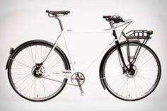Shinola Runwell Di2 Limited Edition Bicycle || looks like a great city bike, if it were not $4500 dollars...