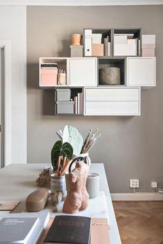 20 Practical Wall Ideas With Ikea EKET Cabinet practical ideas cabinet - Praktische Ideen Living Room Storage, Ikea Home Office, Room Design, Ikea Living Room, Ikea Home, Living Room Shelves, Home Decor, Ikea Wall Cabinets, Ikea Eket