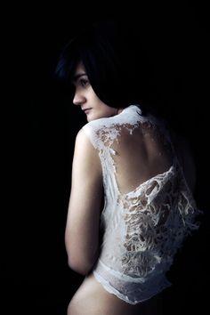 Pia Interlandi, dissolvable textiles - Garments for the Grave