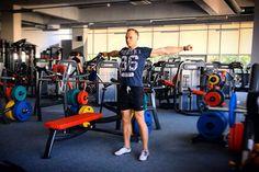 Разминка перед тренировкой    Независимо от того, является ли ваш план обычной тренировкой по набору массы тела либо простым бегом, разминка должна быть первым номером в списке дел (после предварительного разогрева).  Но каков идеальный способ выполнять разминку?  http://bodysportal.com/blog/rastyazhka-pered-trenirovkoy