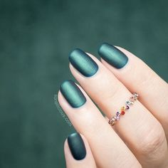 Matte Emerald Green nails || Christmas nails