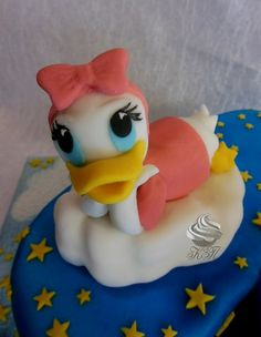 -- Donald Duck Cake, Rubber Duck, Cake Toppers, Fondant, Toys, Manualidades, Activity Toys, Clearance Toys, Gaming