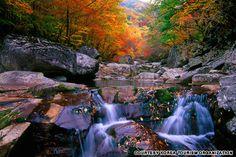 Hiking Korea's mountains in the autumn