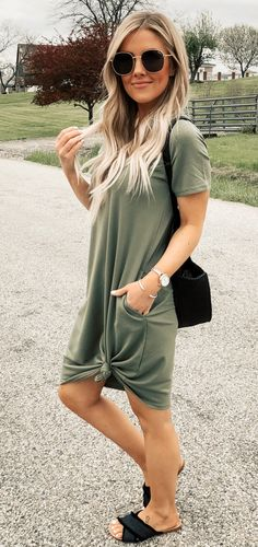 Cozy Dress Outfits To Wear This Summer. Here i will show you Fresh idea of cozy dress outfits to wear this summer Outfits For Teens, Trendy Outfits, Cute Outfits, Fashion Outfits, Dress Outfits, Mom Outfits, College Outfits, Fashion 2018, Women's Fashion