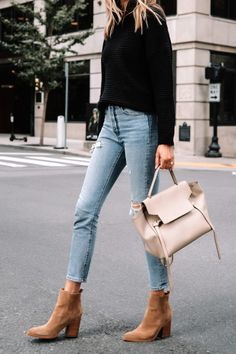 Jeans Outfit Winter, Casual Fall Outfits, Simple Outfits, Trendy Outfits, Fashion Outfits, Black Turtleneck Outfit Winter, Cozy Winter Outfits, Jean Outfits, Sweaters And Jeans