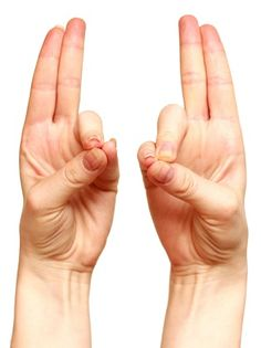 Healing mudras are very easy to perform on any time. Here are the 7 best hand yoga mudras for healing health with performance steps and transformation techniques. Finger Yoga, Finger Exercises, Foot Exercises, Yoga Nature, Fitness Tips, Health Fitness, Yoga Fitness, Hand Mudras, Burn Out