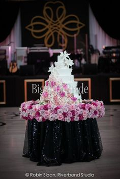 Planning by: Big City Bride | Photo by: Riverbend Studio Design and Decor by: Kehoe Designs  www.kehoedesigns.com