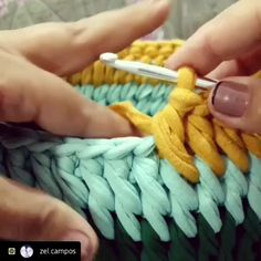 "1,573 Me gusta, 8 comentarios - @applewhitecrochet en Instagram: ""By @uncinettodecoro @uncinettodecoro @uncinettodecoro ⬅️follow 💜💜 #haken #handmadebasket…"" Crotchet Patterns, Crochet Stitches, Knit Crochet, Stitch 2, Merino Wool Blanket, Square Patterns, T Shirt Yarn, Crochet Projects, Embroidery"