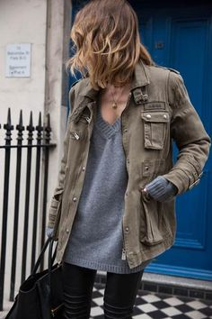 Grey vou neck sweater and olive green jacket outfit Mode Outfits, Fall Outfits, Casual Outfits, Fashion Outfits, Laid Back Outfits, Office Outfits, Fashion Mode, Look Fashion, Womens Fashion