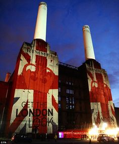 Battersea Power Station | #flag | www.notjustpowder.com