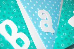 Guirnalda de banderines de foamy, By Queca Coqueta. Ideas Para, Company Logo, Logos, Candy, Birthday Bunting, Satin Ribbons, Movable Walls, Flag Wreath, Transformers Birthday Parties