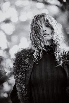 Magdalena-Frackowiak-by-Emma-Tempest-for-Mixt(e)-Magazine-#9-F_W-2014c
