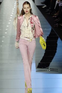 Valentino Spring 2006 Ready-to-Wear Fashion Show - Valentina Zelyaeva