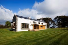 We bring you the homes Irish architects, engineers and other house building designers live in. Nicola Waddington RSUA/RIBA: A husband and wife team leads this architectural practice; Build Your Own House, Countryside, Beautiful Homes, Building A House, Ireland, Mansions, Architecture, House Styles, Engineers