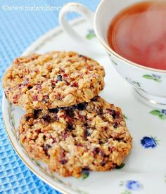 cranberry oatmeal cookies Looks yummy, but the recipe is in a language I cannot read. Desert Recipes, Fall Recipes, Baking Recipes, Cookie Recipes, Cranberry Cookies, Oatmeal Cookies, Best Breakfast, Delicious Desserts, Food To Make