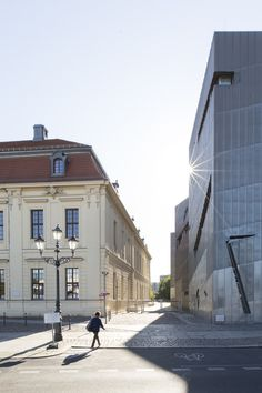 Daniel Libeskind's Jewish Museum Berlin Photographed by Laurian Ghinitoiu | ArchDaily