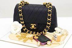 Torta a forma di borsa Chanel