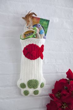Cat Paws Christmas Stocking - Free crocheting patterns - how to crochet a Christmas stocking - DIY hand made home made paw shaped stocking pattern - Christmas time crochet tutorial for pets - crocheted holiday gift ideas for cats