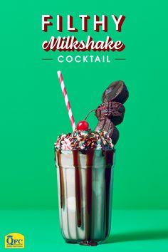 Shake up your holiday with the cocktail of your dreams! Holiday party looks, Holiday party planning, Holiday glamming, Holiday tradition-making Cocktail Drinks, Fun Drinks, Cocktail Recipes, Alcoholic Drinks, Beverages, Cocktail Night, Party Drinks, Healthy Drinks, Milkshake Shop