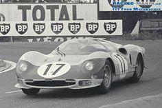 ca Ferrari 365 P2 1966 LeMans n. 17 Giampiero Biscaldi i Michel de Bourbon antr2