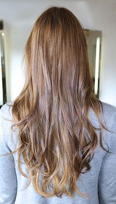 beachy brunette hair color- maybe with some auburn highlights?