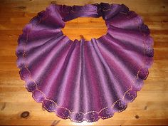 Ravelry: Tilifolia Shawl pattern by Kristina Karlsson Tree Skirts, Shawls, Ravelry, Knitting, Holiday Decor, Projects, Pattern, Scarves, Log Projects