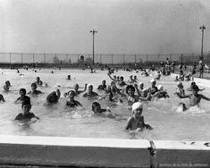 Dans les piscines de l'île Sainte-Hélène, 14 août 1953. Photos Du, Old Photos, Of Montreal, Parcs, Backdrops, Canada, Memories, City, Image