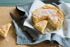 Sweet semolina filo pie (bougatsa)
