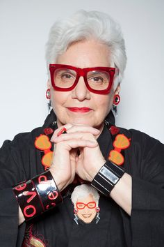 That's Not My Age: Fabulous Fashionistas Sue Kreitzman Love the necklace, glasses and earrings.