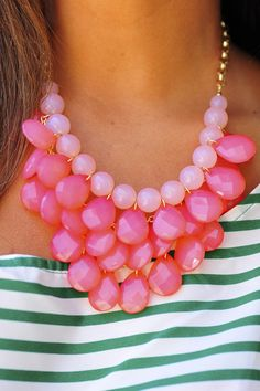 Pink chunky necklace=Too much? Jewelry Accessories, Fashion Accessories, Jewelry Design, Pink Necklace, Beaded Necklace, Layered Necklace, Fashion Necklace, Fashion Jewelry, Jewelery