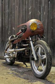 Kikishop Customs honda cb/cm 400 don't really know if it fits in to cafe racer with a touch
