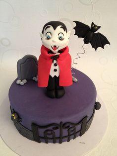 A funny vampire! - by danida @ CakesDecor.com - cake decorating website