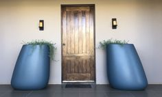 A contemporary planter choice for the entrance to this farmhouse inspired home :: Oblique Pebble Pot (Large) in MIDNIGHT Concrete Design, Concrete Planters, Trough Planters, Planter Pots, Contemporary Planters, Higher Design, Outdoor Landscaping, Inspired Homes, Entrance