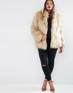 Looking for a Faux Fur Jacket for the Fall? Here are 20 Plus Size Foxy Faux Fur Finds!  http://thecurvyfashionista.com/2016/11/plus-size-faux-fur-2/