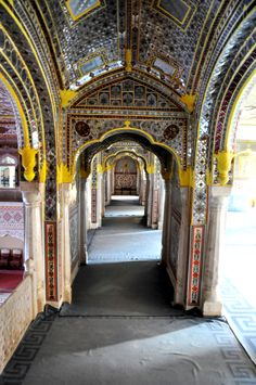 This is the zenana hallway with some of the best mirror, plaster and iron-work I have seen.