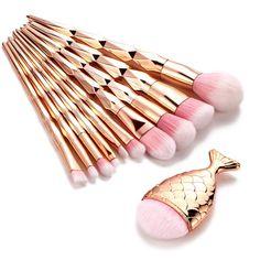 Make Up Tools, Mermaid Brush, Mermaid Makeup, It Cosmetics Concealer, It Cosmetics Brushes, Cosmetic Brushes, Too Faced Concealer, Concealer Brush, Make Makeup